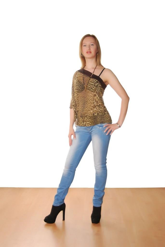 Ronghe, kåta tjejer i Hudiksvall - 2546